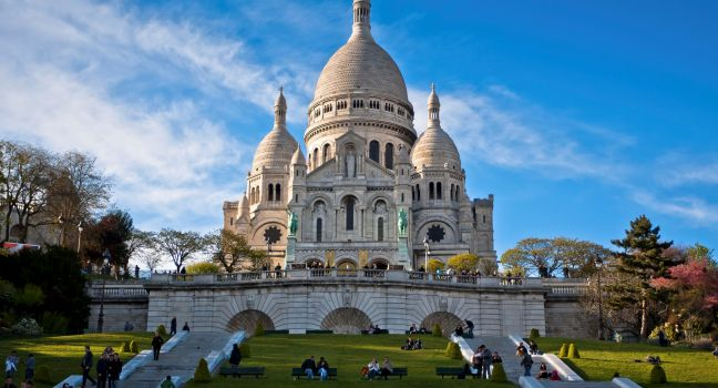 basilica of sacrecoeur montmartre paris france main